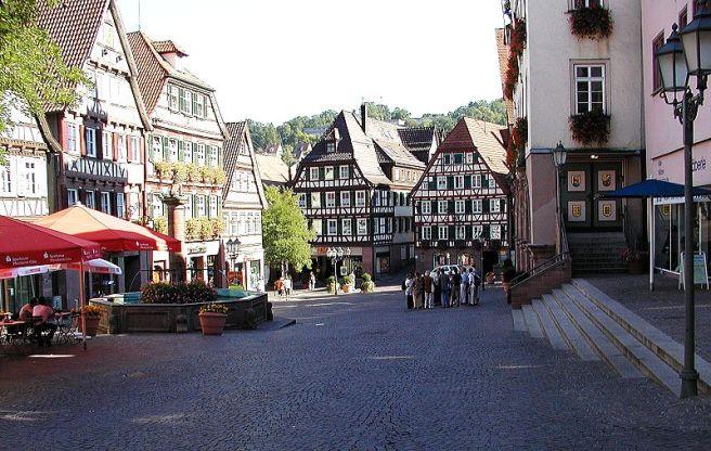 Black Forest Torte (Schwarzwaelder Kirschtorte) - Marktplatz in Calw
