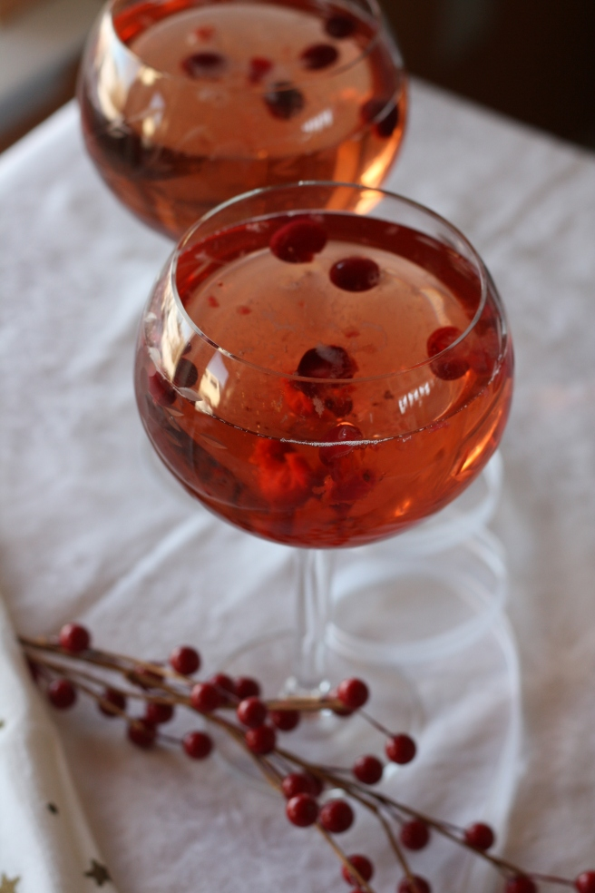 Sparkling Cranberry Juice with Green Tea