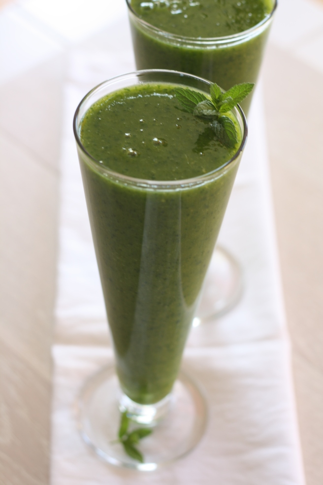 Spinach-Ginger-Pear Smoothie - Green Smoothie
