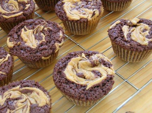 gluten free chocolate peanut butter cupcakes