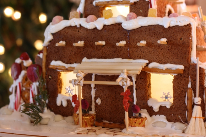 Pueblo Gingerbread House - Chili Ristras