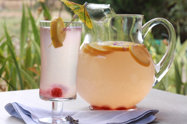 Lavender Lemonade - A delicious Summer drink